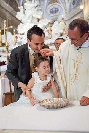 Audrey&Fabien_Eglise_Baptême-15.jpg